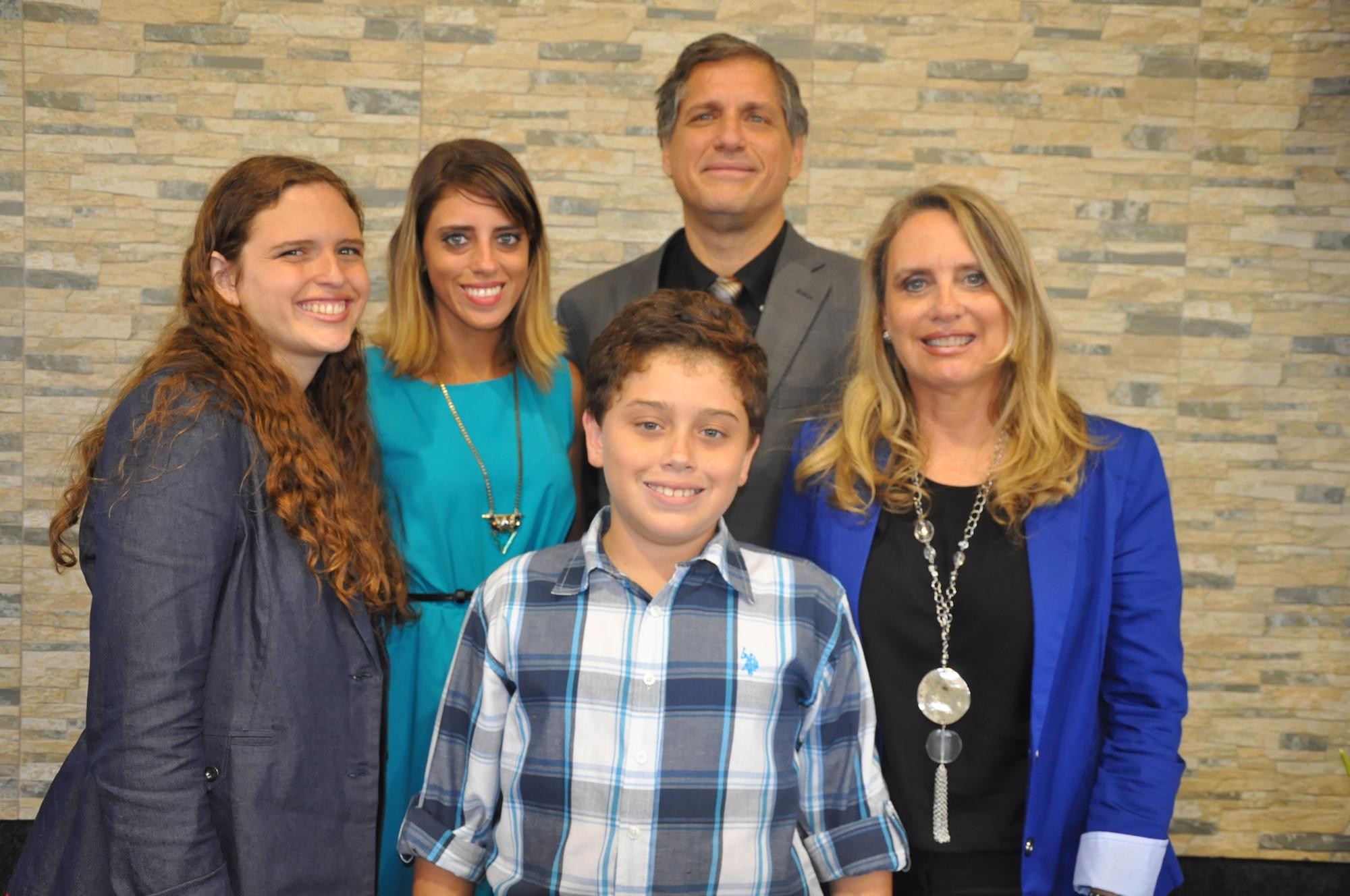 Andrés Carrera Licht - Pastor Principal